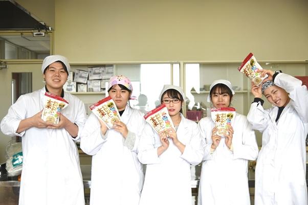 『やわらかい玄米』のレシピ・メニュー開発(ライフスタイル学科)